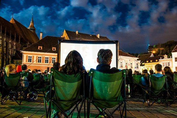 Filme de Oscar în aer liber, în iulie, în Piaţa Sfatului